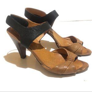 Chie Mihara Leather Peeptoe Heel Tan Rockabilly 9